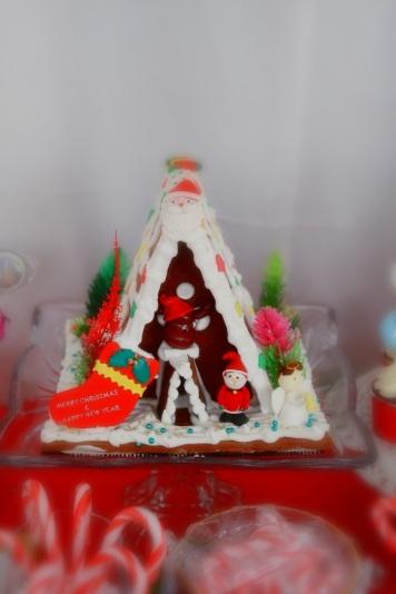 Christmas Dessert Table 15