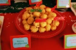 Christmas Dessert Table 17